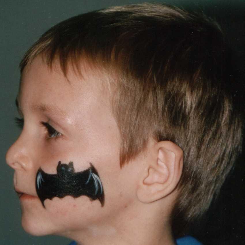 Kinderschminken - Fledermaus schminken ...